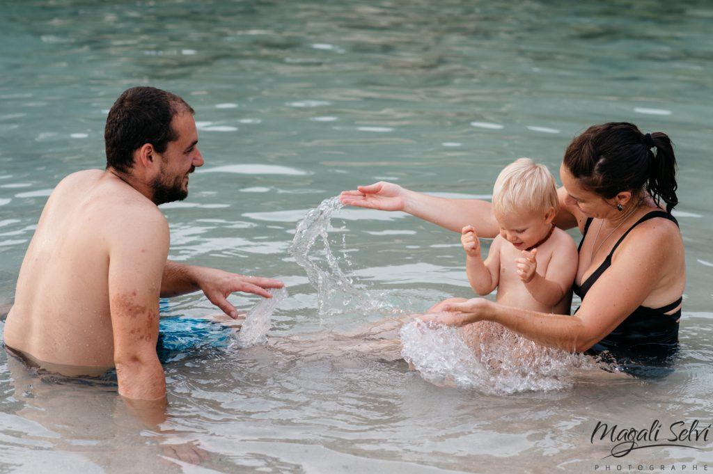 Séance photo lifestyle famille à la plage, Alpes Maritimes - Magali Selvi Photographe