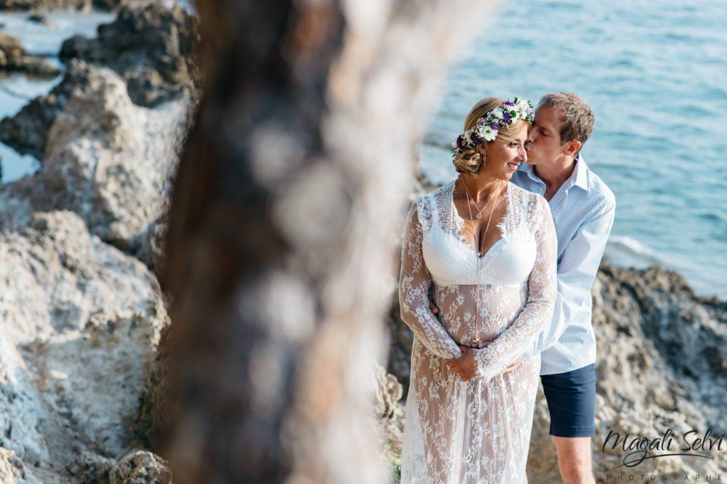 Magali Selvi photographe grossesse au bord de l'eau